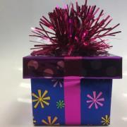 Ballongewicht Geschenk - lila Geschenkband, lila Deckel